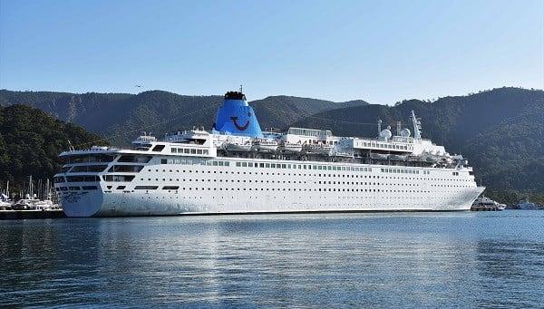 """""""Marella Dream"""", Marmaris Limanı'na bağlandı"""