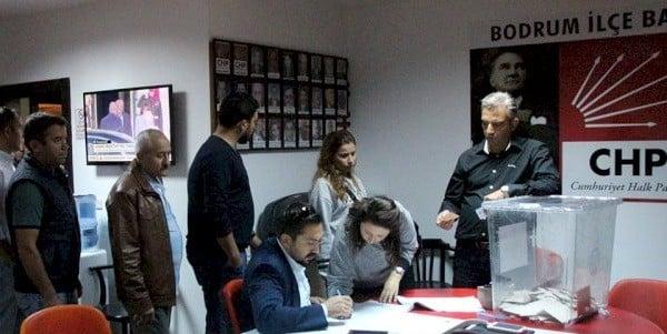 CHP Bodrum İlçe örgütünde delege seçimleri devam ediyor.