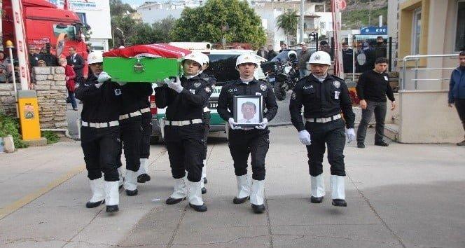 Kanser hastalığından ölen emekli polis memurunun cenazesi düzenlenen törenle defnedildi