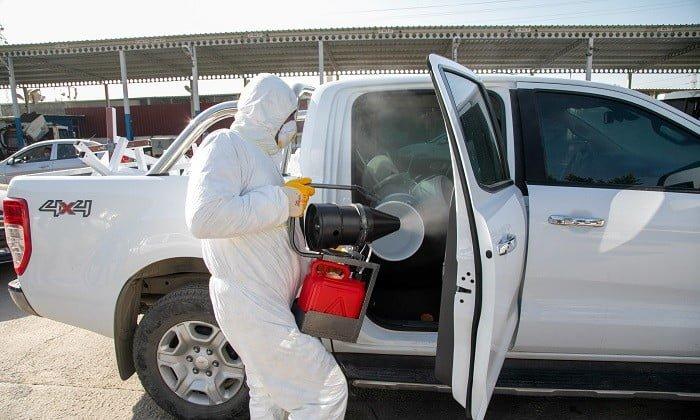 45 dakika içinde yaklaşık 80 araç dezenfekte edildi.