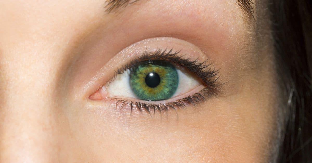 Göz seğirmesi nedir?