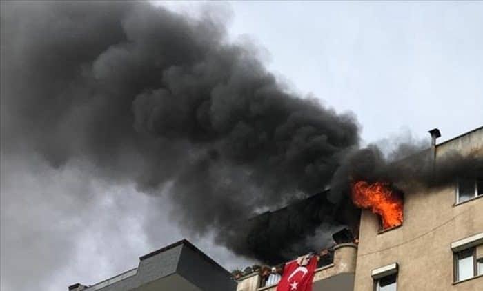 Evde çıkan yangında patlayan tüp korkuttu