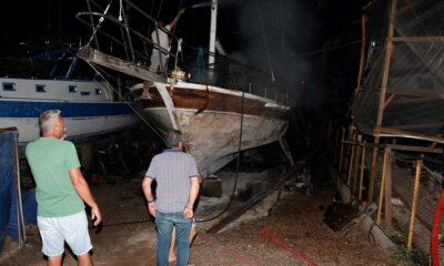 Gezi teknesi yandı