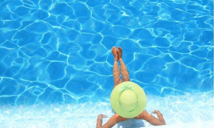 Koronavirüs deniz ve havuzdan bulaşır mı?