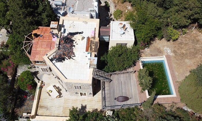 Can Dündar'ın Bodrum'daki villasının kaçak bölümünde yıkım başladı