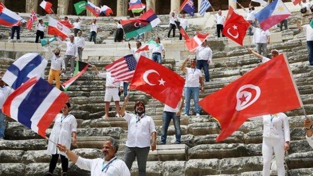Rehberler Antalya Aspendos Tiyatrosu'ndan dünyaya seslendi