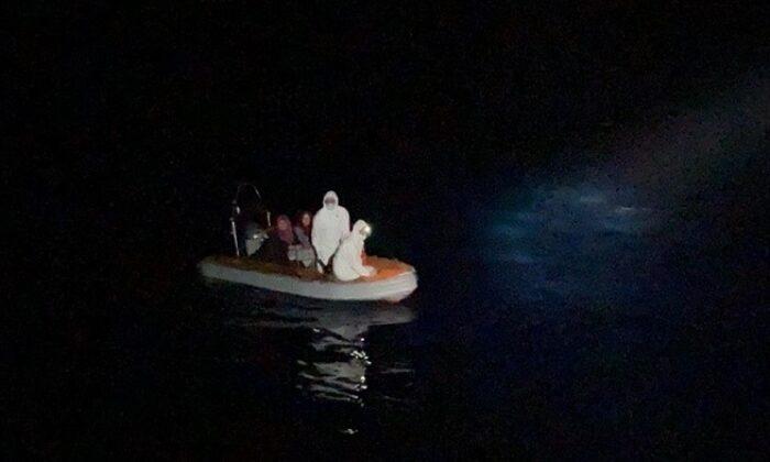 Mahsur kalan 17 sığınmacı kurtarıldı