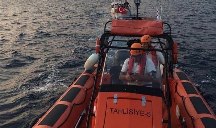 Fethiye açıklarında sürüklenen teknedeki 5 kişi kurtarıldı