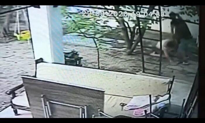 Bodrum'da kadının darp edilmesi güvenlik kamerasına yansıdı