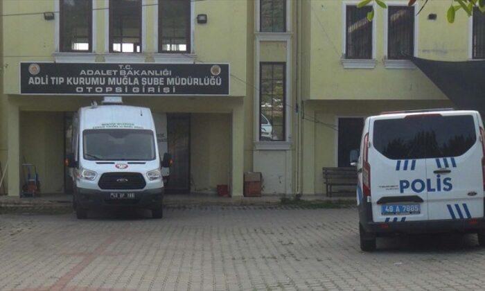 Bodrum'da sahte içkiden zehirlendiğinden şüphelenilen kişi öldü