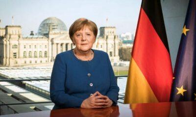 Merkel'den çağrı: Her türlü seyahatten vazgeçin!