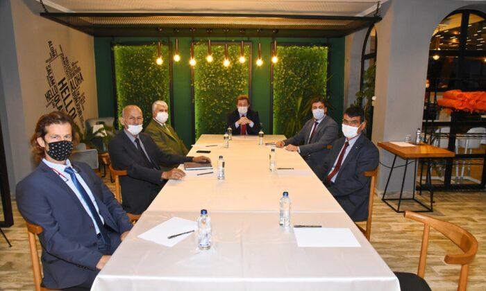 Muğla Valisi Orhan Tavlı, Deniz Ticaret Odası temsilcileri ile bir araya geldi