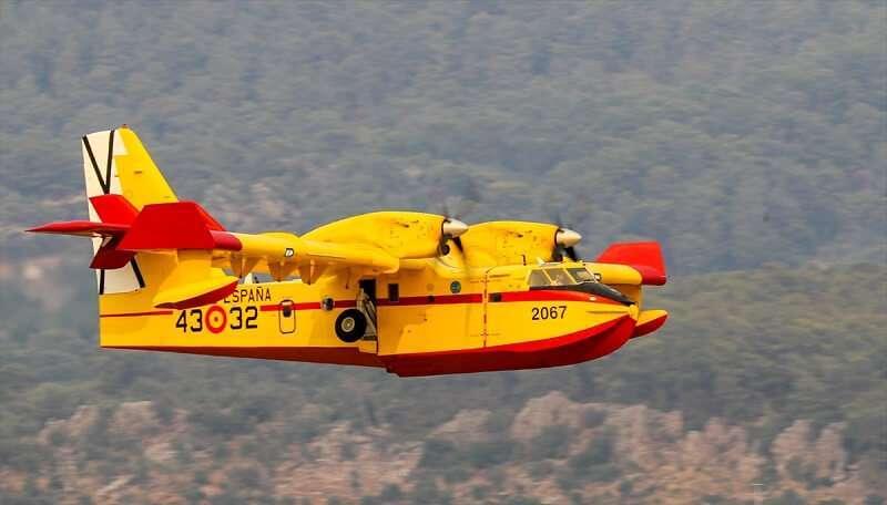 İspanya'dan gönderilen 2 yangın söndürme uçağı Muğla'da faaliyetlerine başladı
