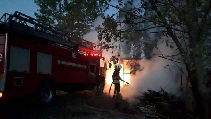 İki evde çıkan yangın hasara neden oldu