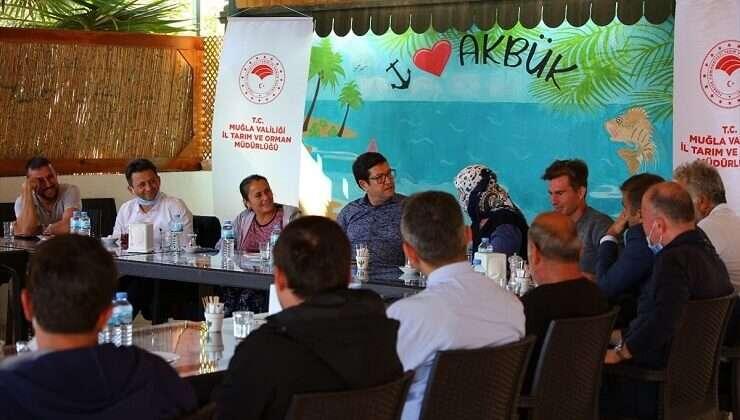 Muğla Tarım ve Orman Müdürü İl Müdürü Barış Saylak, çiftçilerle bir araya geldi